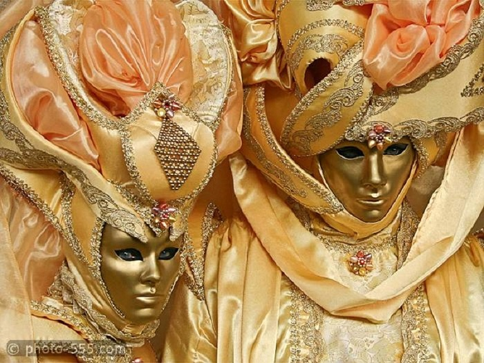 Wednesday Wanderlust ~ Venice for Carnevale