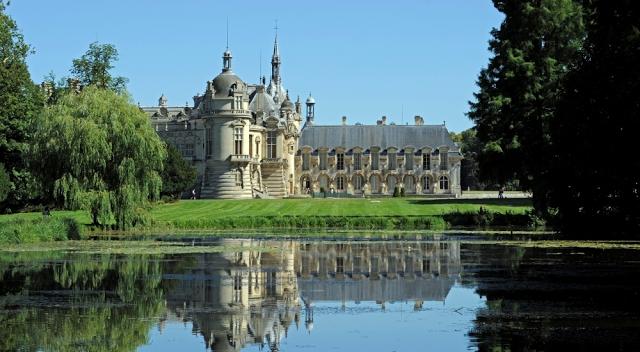 Un Château, Des Chevaux et de la Crème?