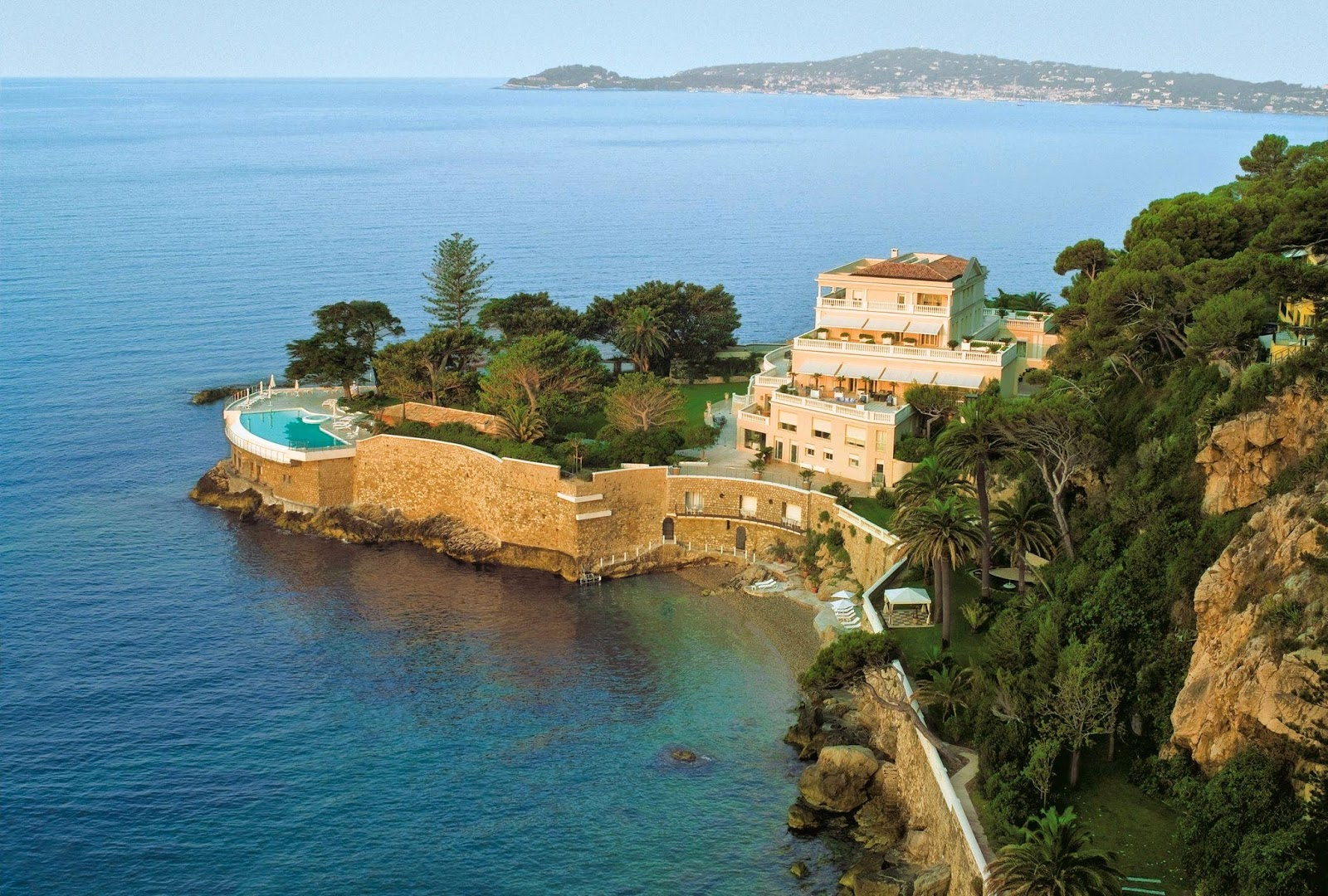 Wednesday Wanderlust ~ Cap Estel