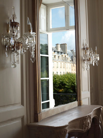 "A ""Paris Dream"" Apartment"