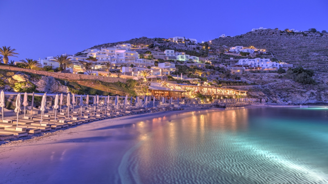 Private_Beach_at_Santa_Marina_Mykonos_1_1600x900