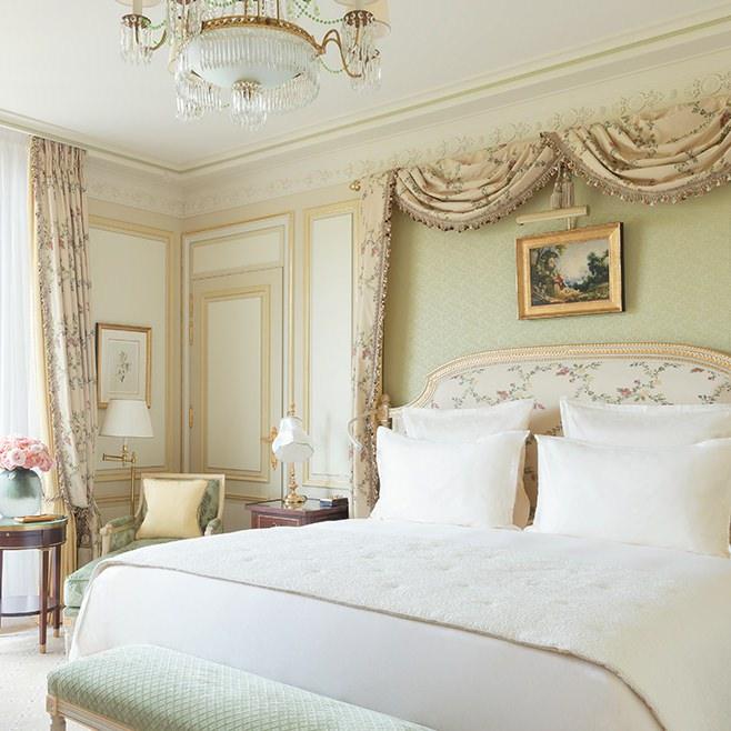 ritz-paris-hotel-chambre-deluxe_0