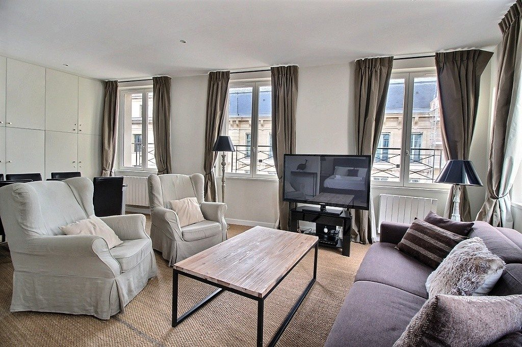 hi_2-paris-apartment-sale-1eme