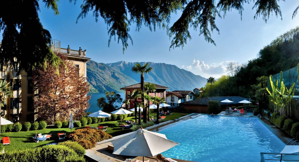 grand-hotel-tremezzo-flowers-pool